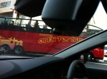 スタッフエージェントの軌跡-フクオカオープントップバス